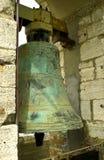 在塔的古老古铜色响铃 库存图片