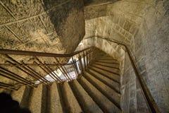 在塔的弯曲的楼梯 免版税库存照片