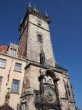 在塔的看法与天文学时钟 免版税库存照片