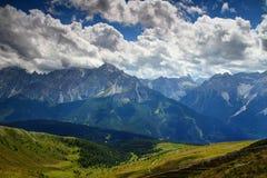 在塞斯托谷的Sextener Rotwand Croda Rossa di Sesto峰顶 免版税库存照片