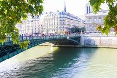 在塞纳河,巴黎的桥梁 免版税库存照片
