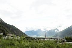 在塞纳莱斯市观看Silandro市风景在波尔查诺,奥地利 免版税库存照片