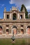 在塞维利亚实际城堡的奇怪画廊  免版税库存照片