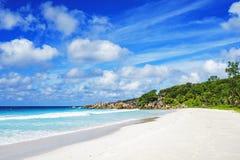 在塞舌尔群岛的天堂海滩,小的anse, la digue 5 免版税库存照片