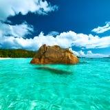 在塞舌尔群岛的美丽的海滩 免版税库存照片
