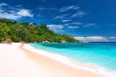 在塞舌尔群岛的美丽的Anse监督海滩 库存照片