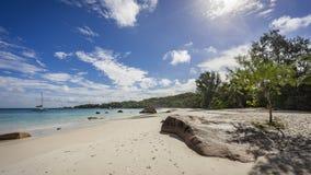 在塞舌尔群岛25的天堂海滩 免版税库存照片