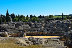 在塞维利亚之外的古老罗马圆形露天剧场 库存照片