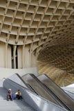 在塞维利亚Metropol遮阳伞的台阶  免版税库存图片