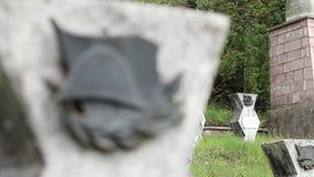 在墓碑的WWII军事少尉 影视素材