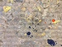 在墙壁上下降的颜色 免版税库存图片