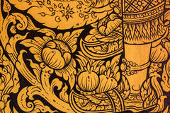 在墙壁上的古老泰国样式在泰国菩萨寺庙,亚洲人菩萨样式艺术,在寺庙墙壁上的美好的样式 库存照片