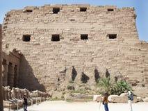 在墙壁上的安心 埃及 埃及废墟 库存照片