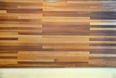 在墙壁上的木纹理 库存图片
