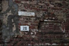 在墙壁上的标志 免版税库存照片