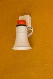 在墙壁上的火警紧急警报器 免版税库存图片
