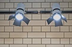 在墙壁上的聚光灯 免版税图库摄影