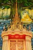 在墙壁上的菩萨绘画在寺庙 免版税图库摄影