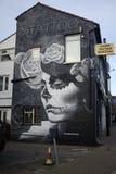 在墙壁上的街道画在克罗伊登 免版税库存图片