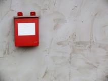 在墙壁上的过帐配件箱 免版税库存照片
