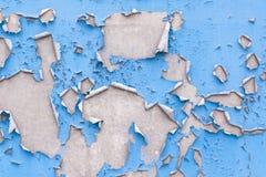 在墙壁上的破裂的油漆 库存照片