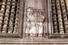 在墙壁上的Apsaras在柬埔寨`附近s吴哥窟Templ的中心 库存照片