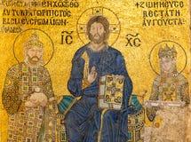 在墙壁在圣索非亚大教堂里面,伊斯坦布尔上的古老马赛克 库存照片
