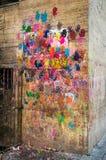 在墙壁的手印刷品 免版税图库摄影