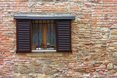 在墙壁的视窗 库存照片