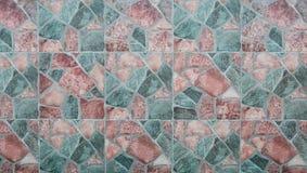 在墙壁纹理和背景的抽象方形的映象点马赛克 免版税库存图片