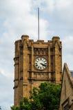 在墨尔本大学的历史的砂岩clocktower 库存图片
