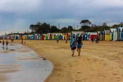 在墨尔本结合走沿沐浴箱子,其中一个的布赖顿普遍的吸引力旅行地方,位于Dendy街道海滩, 图库摄影