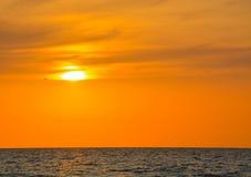 在墨西哥湾的日落印地安岩石海滩的在佛罗里达 库存照片