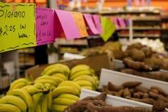 在墨西哥超级市场的新鲜蔬菜 免版税库存照片