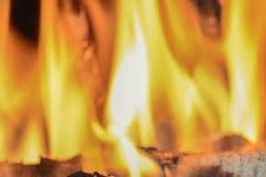在壁炉的火焰 图库摄影