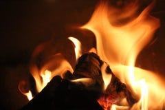 在壁炉的火焰 免版税图库摄影
