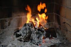 在壁炉的火 图库摄影