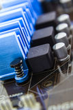 在处理器的次幂的晶体管和电容器 免版税库存照片
