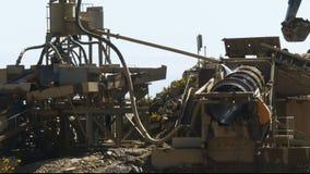在处理金子的金矿的机械石渣 股票录像
