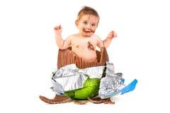 在复活节彩蛋里面的婴孩 库存图片