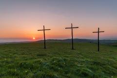 在复活节的日出在十字架或耶稣受难象 免版税图库摄影