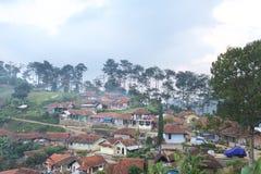 在复舟火山附近山的Trivalling在万隆,印度尼西亚 库存照片