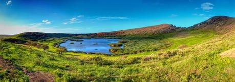 在复活节岛的Rano Raraku火山口 Rapa Nui国家公园世界遗产名录站点  免版税图库摄影