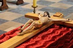 在复活节期间,耶稣木图在教会里迫害了, 图库摄影