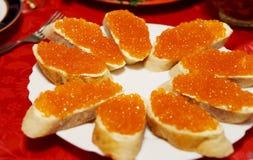 在复活节的红鲑鱼鱼子酱 免版税图库摄影