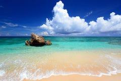 在夏令时的华美的海滩 库存图片