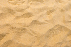 在夏天太阳的美好的海滩沙子 免版税库存照片