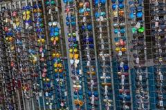 在夏天市场上的许多太阳镜在匈牙利 24 08 2017年匈牙利 免版税图库摄影