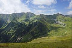 在夏天斯洛伐克山低Tatras的五颜六色的看法 免版税库存照片