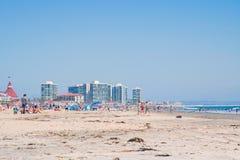 在夏天期间,科罗纳多市政海滩圣地亚哥加利福尼亚 库存图片
